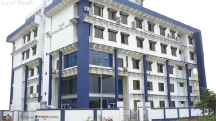 Smt Lilavatibai Podar Senior Secondary School Santacruz - cover