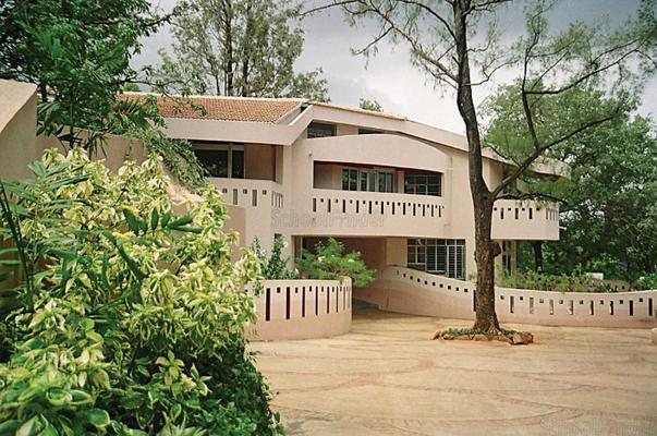 Sanjeewan Vidyalaya - cover